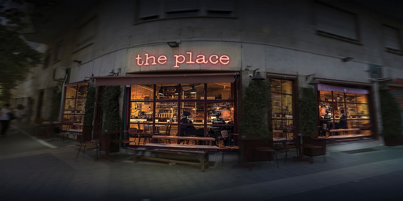 Genovese in testa con 'The Place'
